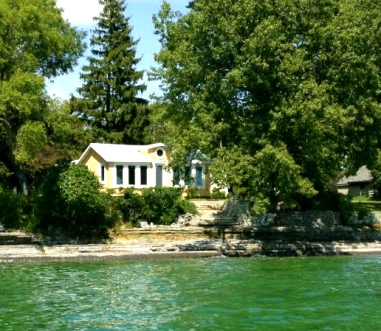 Waterfront Cottage in Wellington Prince Edward County